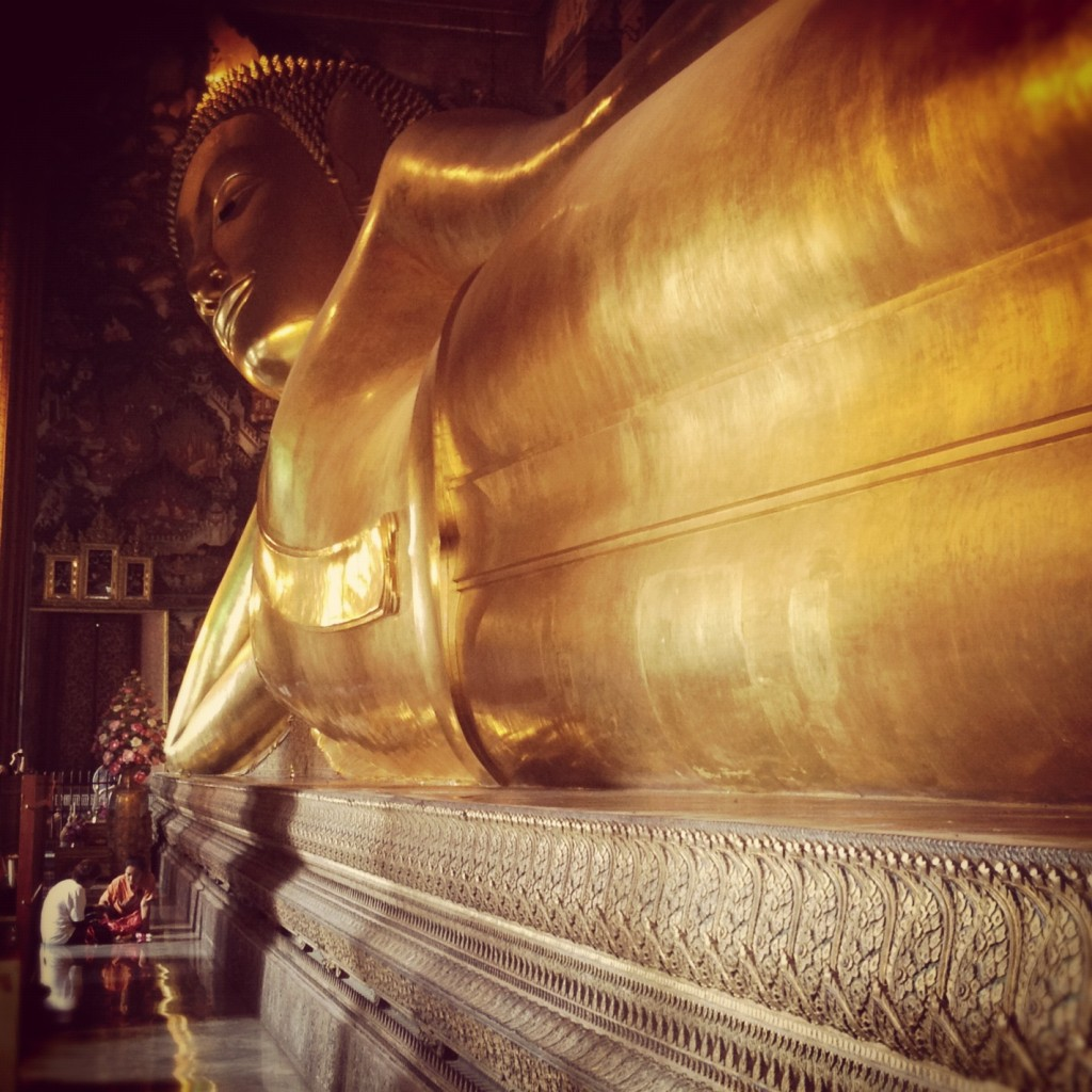 Picnicking by the Reclining Buddha in Wat Pho